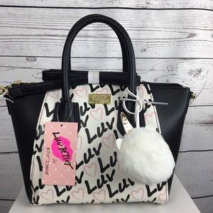 💕SALE💕NWT Betsey Johnson Luv Heart Satchel Bag